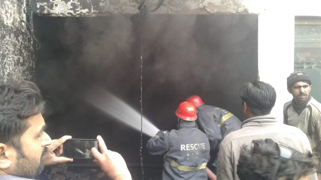 cold storage fire in depalpur and 3 killed